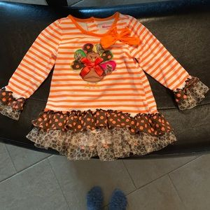 Cutest Thanksgiving outfit for a little girl.
